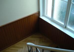 Holzmalerei: Vertäfelung im Denkmalschutz - Treppenhaus